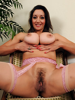 Mature Pictures Featuring 51 Year Old Persia From AllOver30