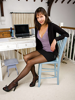 AllOver30.com - Over 30 MILF featuring Cindy