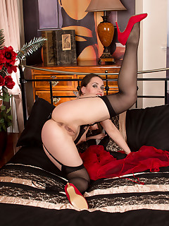 Anilos.com - Freshest mature women on the net featuring Anilos Olga Cabaeva free anilos gallery