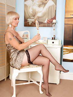 Anilos.com - Freshest mature women on the net featuring Anilos Penny milf gallery