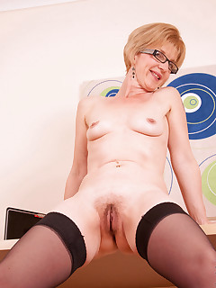 Anilos.com - Freshest mature women on the net featuring Anilos Poppy anilos porn