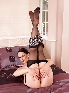 Anilos.com - Freshest mature women on the net featuring Anilos Rebekka Raynor naked anilos