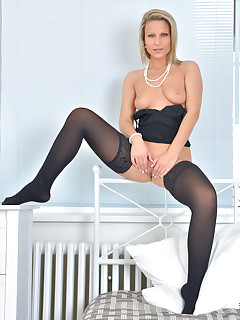 Anilos.com - Freshest mature women on the net featuring Anilos Samantha Jolie anilos picture