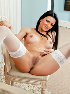 Anilos.com - Freshest mature women on the net featuring Anilos Sienna Richardson free milf