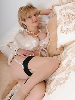 Lady Sonia - lady sonia smooth as silk