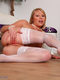 Abigail Toyne Spreads and Fingers Her Juicy Pussy