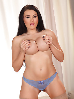 Saucy and Statuesque free photos and videos on DDFBusty.com