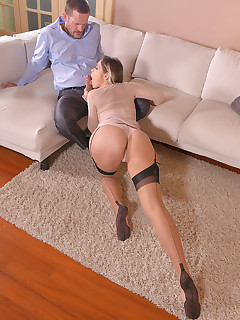 Leggy Anal Lover free photos and videos on DDFNetwork.com