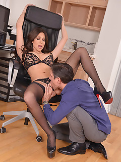 Wonderful Distraction - Hot Bombshell Gets Fucked By Husband free photos and videos on DDFNetwork.com