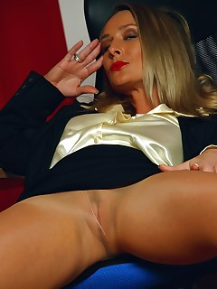 aPantyhose - Smutty secretary MILF in sexy seamed pantyhose and high heels
