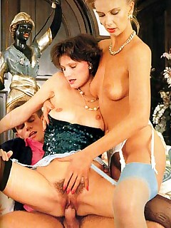 Rodox ~ Two seventies moms enjoying a