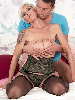 50 Plus MILFs - Wake-up blow job and fuck - Nicol Mandorla and Nick Ross (56 Photos)