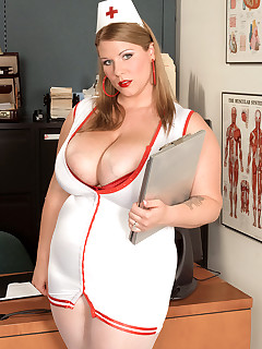 Scoreland - Good Nurse Renee - Renee Ross (53 Photos)