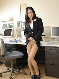 Wonderful cutie Satomi Suzuki showing off | Japan HDV