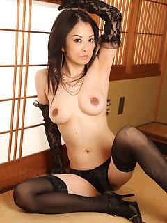 Asian darling Sayoko Machimura showing off | Japan HDV
