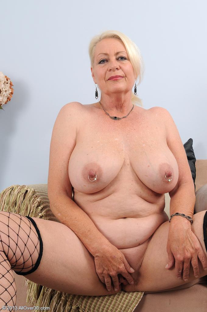 Полные жэньшины голые тем кому 60 лет