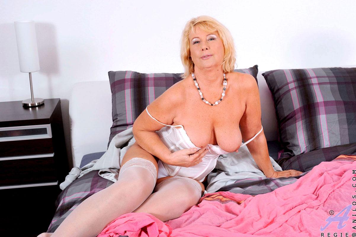 Только зрелые онлайн, Зрелые порно, смотреть секс со зрелыми женщинами 6 фотография
