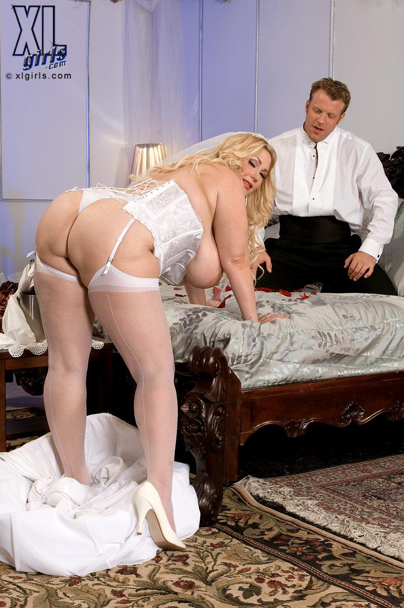 Невесты с большими сиськами порно фото, как трахнуть бабу без презика